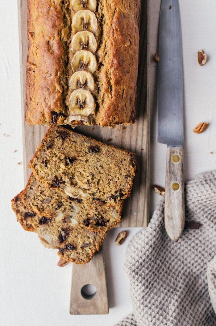 idee gateau pour le gouter, pain à la banane healthy aux bananes et pépites de chocolat sans gluten