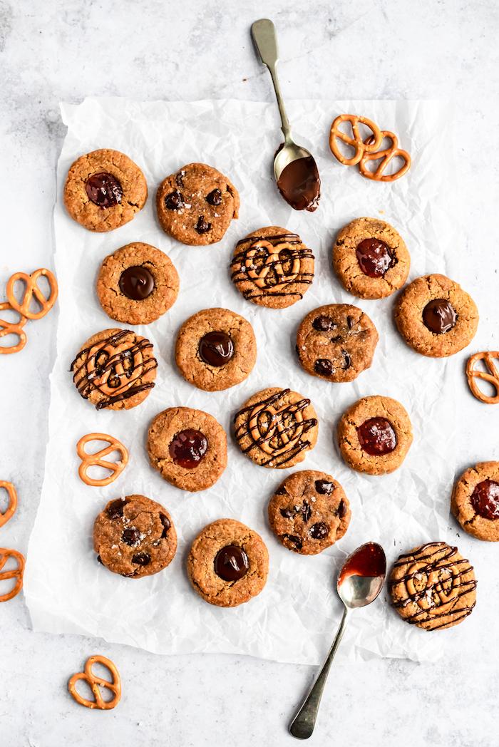 recette cookies sans gluten aux pépites de chocolat ou avec topping confiture ou bretzels, recette healthy pour le gouter