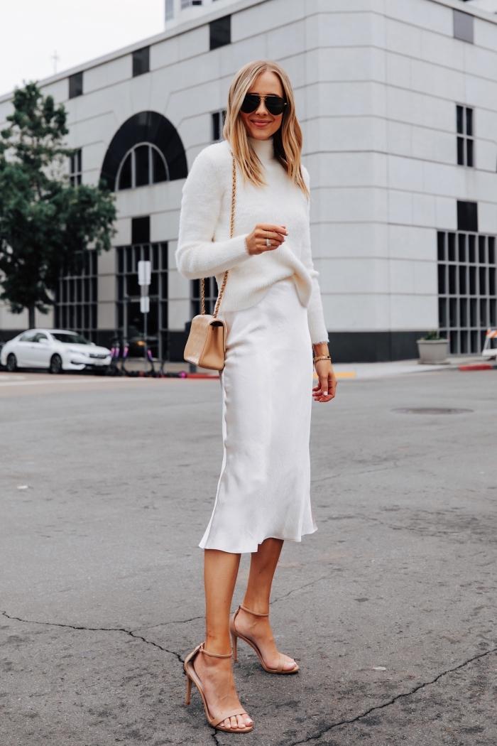 exemple comment assortir les couleurs dans sa tenue femme classe, idée look total blanc avec accessoires en beige