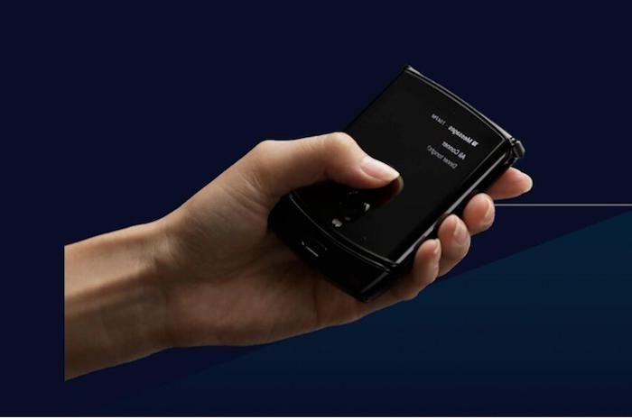 Le très attendu premier smartphone pliable de Motorola arrivera le 6 février avec un mois de retard