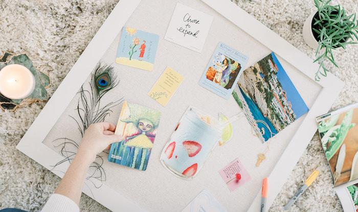 Comment ranger son tableau diy, activité manuelle adulte, exemple tableau visuel idée créative