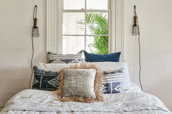 quelle couleur pour les murs dans une pièce à petit espace, design minimaliste avec objets berbère et lit cocooning