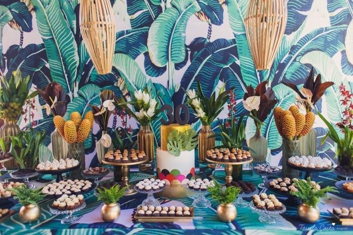 décoration de table anniversaire adulte sur thème tropical, idée de choix de theme anniversaire 30 ans pour l'été