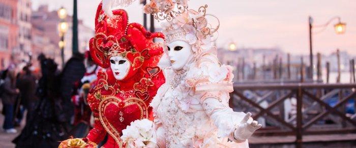Blanche robe de princesse, masque blanc venitien, venise carnaval deguisement carnaval, deguisement adulte femme