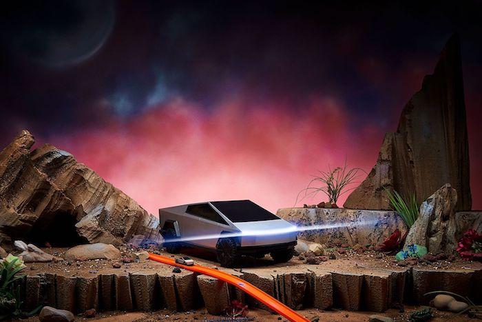 Mattel lance le Tesla Cybertruck en version voiture télécommandée Hot Wheels