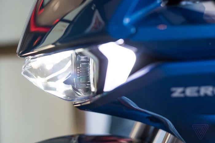 la marque américaine de moto électriques Zero Motorcycles a présenté sa SRS