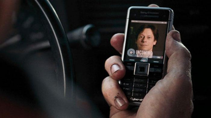 d'après Rian Johnson; Apple interdit toute utilisation de l'iPhone par des méchants au cinéma