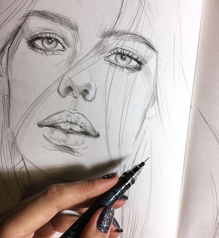 dessin fille au crayon, des gros traits de visage et cheveux aux mèches rebelles lachées, belle femme image
