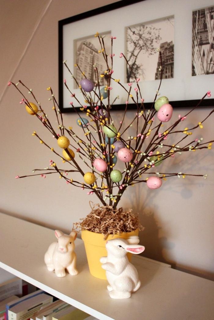 idée de decoration paques facile avec branches, exemple comment réaliser un arbre en branches dans pot fleur