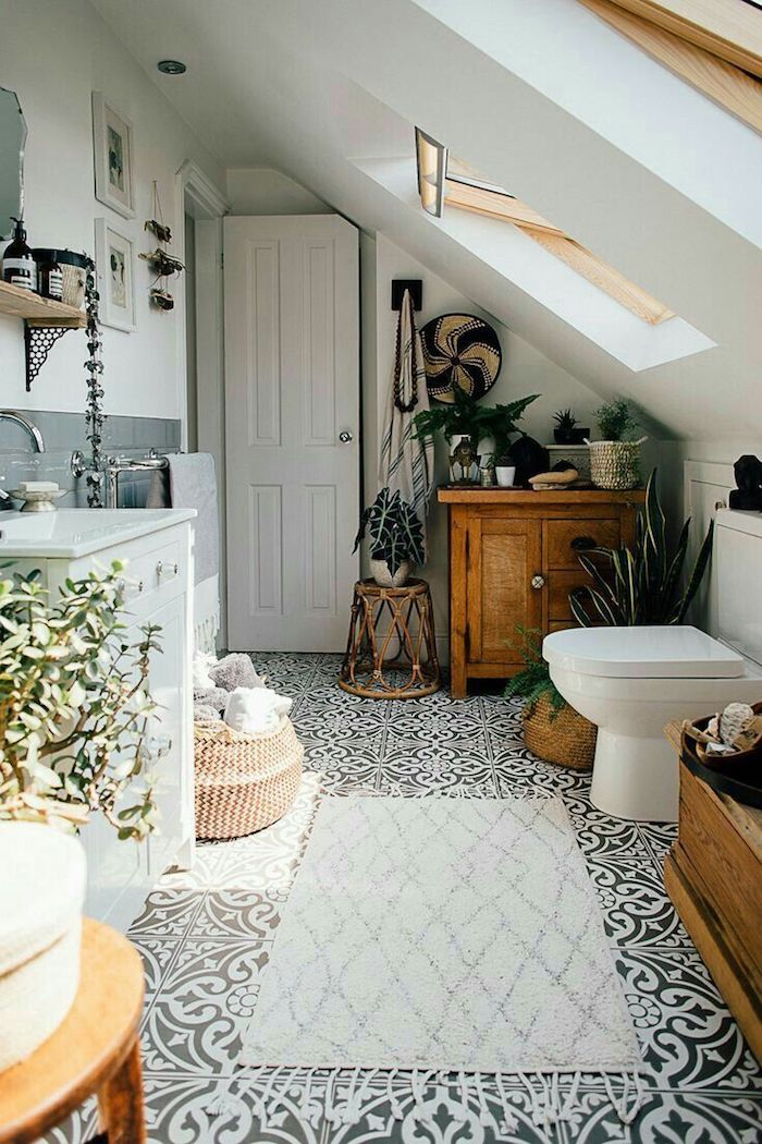Carrelage sur le sol meuble bois idee deco salle de bain, décoration murale salle de bain inspiratrice