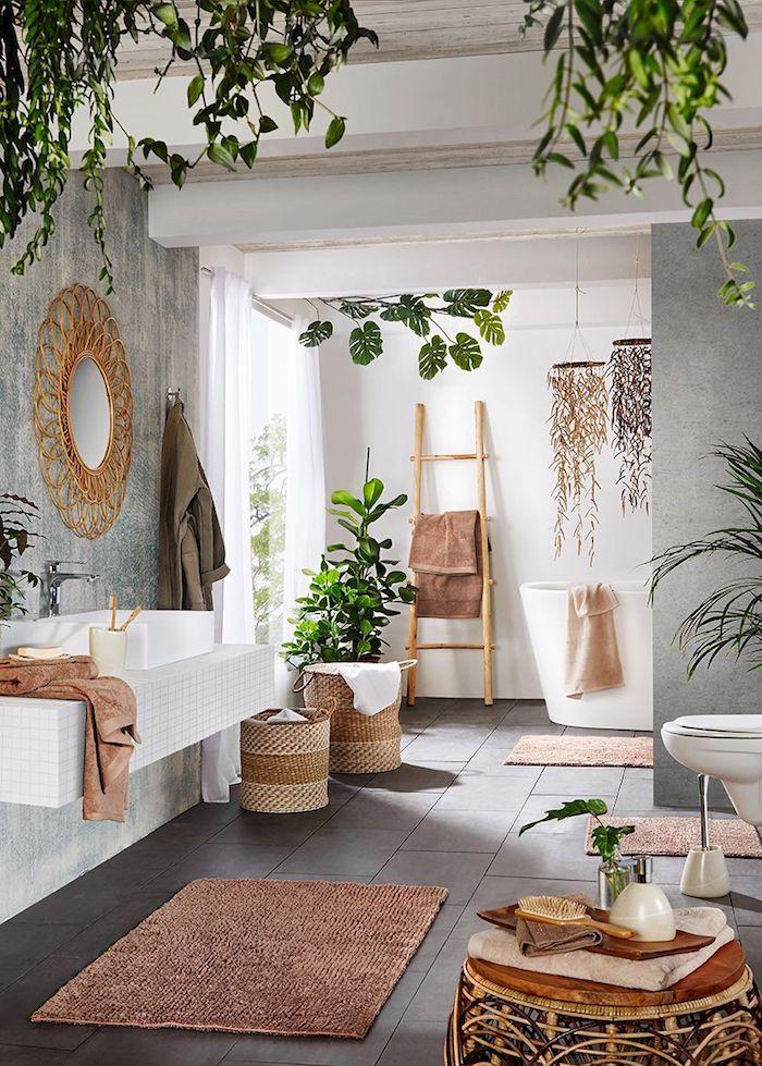 Echelle bois stickers salle de bain, la plus belle salle de bain déco murale, plante verte déco bohème dans la salle de bain