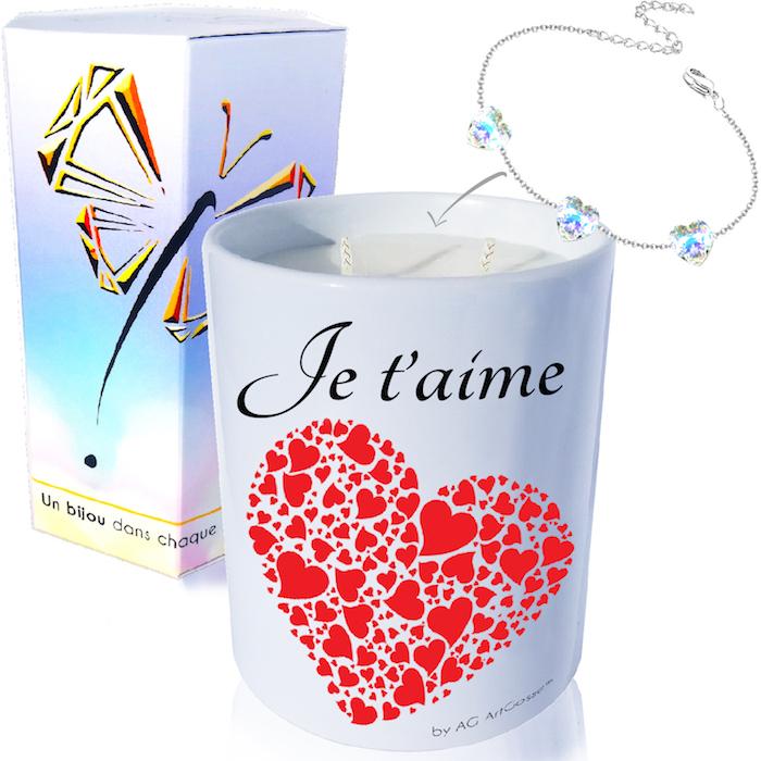 La saint Valentin est l'occasion d'offrir une bougie décorative personnalisée faite à la main