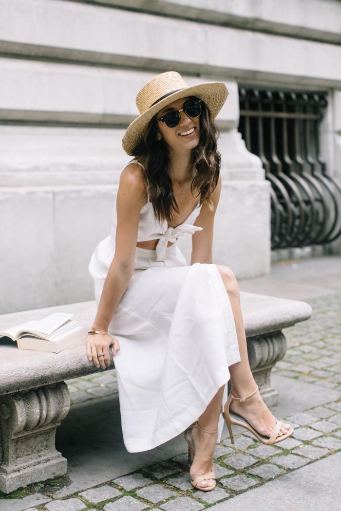 robe légère été en deux pièces top crop et jupe fendue, quels accessoires pour une robe blanche de style boho chic