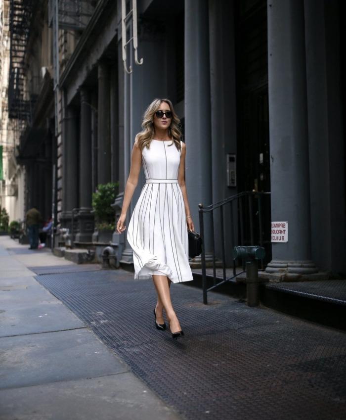 modèles de robes de soirée chic en blanc et noir, avec quelle couleur de chaussures porter une robe blanc et noir