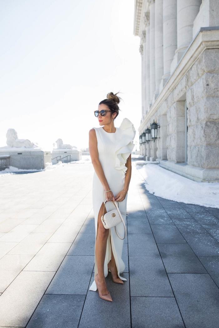vision femme élégante en robe officielle blanche, modèles de robes de soirée chic et classe pour une cérémonie
