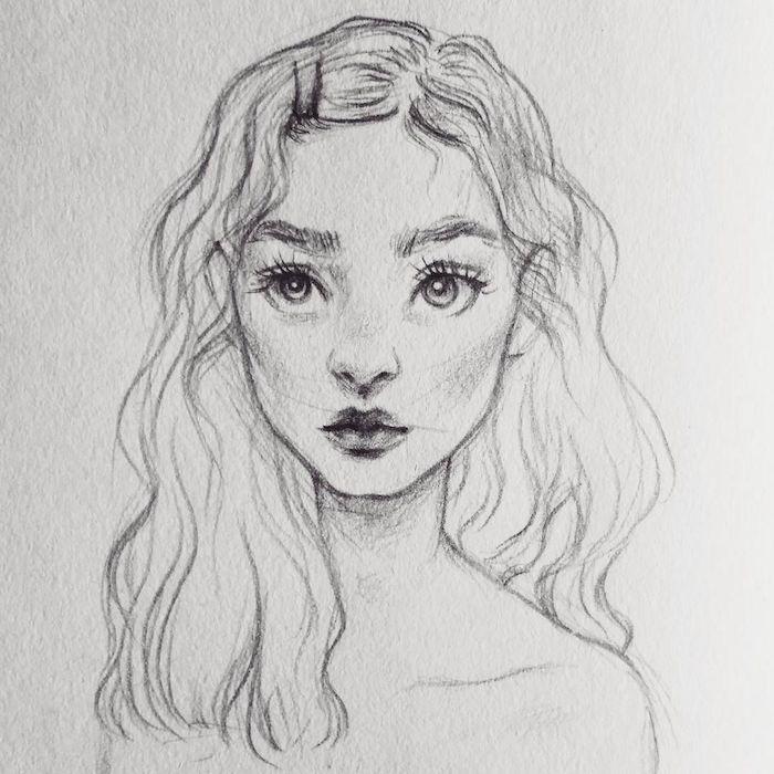 dessin fille aux traits simples enfantins, dessin traits simples de visage entourée de cheveux longs ondulés