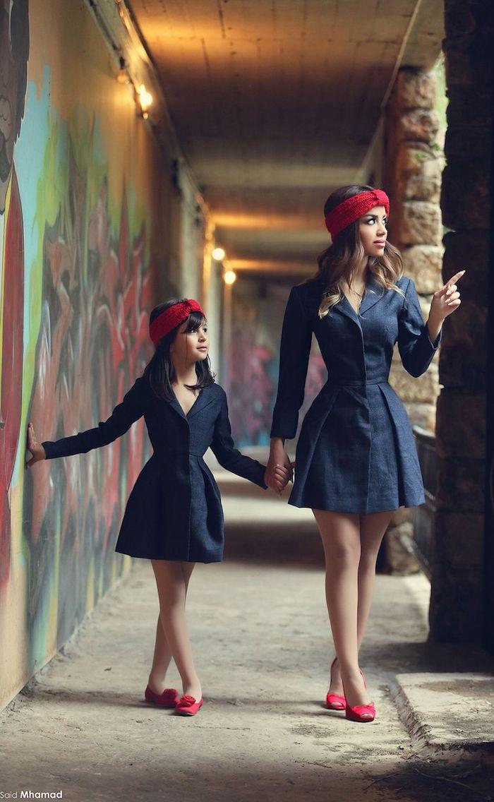 Robe noire trapeze original modele, tenue stylee robe mere fille assortie, inspiration tenue mere fille anniversaire