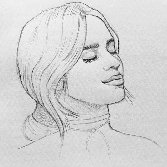 femme dessin aux cheveux longs attachés en chignon bas flou, levres pulpeuses et des yeux fermés, mèches encadrant le visage