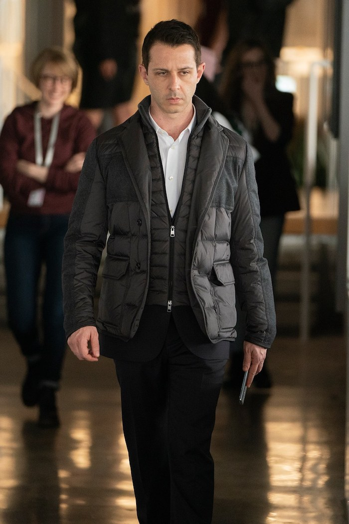 Moderne tenue hiver tailleur et doudoune fine noire, s'habiller classe tenue de soirée homme, look homme 2020