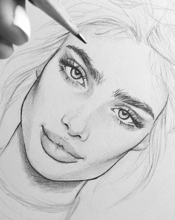 comment bien dessiner une fille aux cheveux longs, de syeux expressifs, grande bouche et petit nez, fille swag dessin