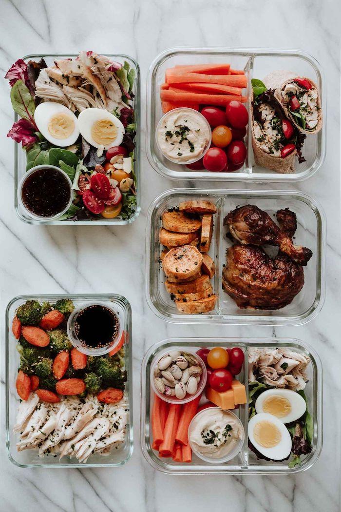 faire un plat équilibré avec viande de poulet, porc et autres viandes et salade de brocolis, carottes, salades vertes. tomates cerise