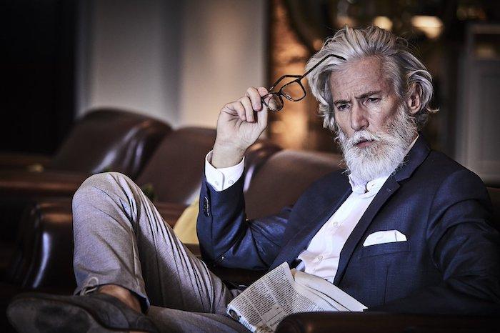 Homme bien habillé comment s'habiller chic homme plus de 50 ans, casual chic homme, comment avoir de la classe homme