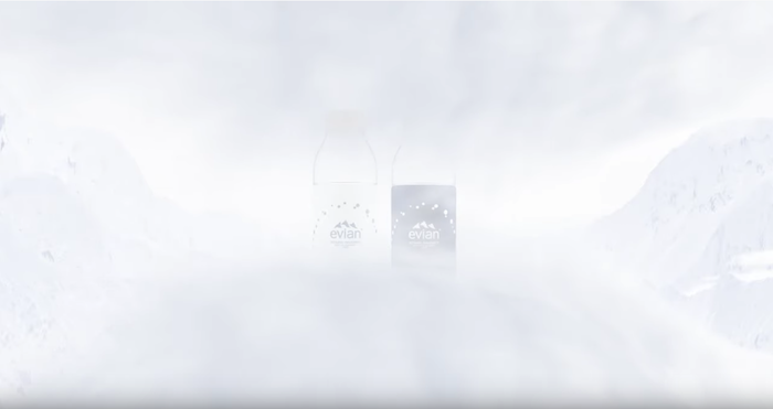 Après sa collaboration avec Vetements, Evian réitière sa série de bouteilles limitées réalisées avec Virgil Abloh