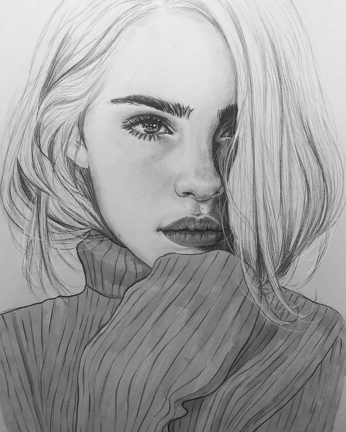 portrait dessin réaliste de fille aux cheveux longs dans un pull foncé, des yeux tristes et bouche aux levres pulpeuses
