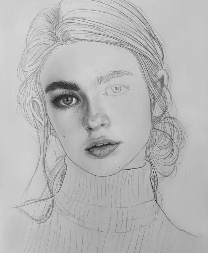 dessin facile a faire etape par etape, cheveux attachés en chignon bas flou, visage à moitié dessiné, esquisse dessin simple