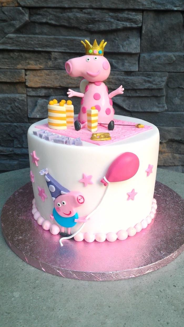 Blanche pâte à sucre gateau d anniversaire enfant, comment le décorer bien figurine peppa pig
