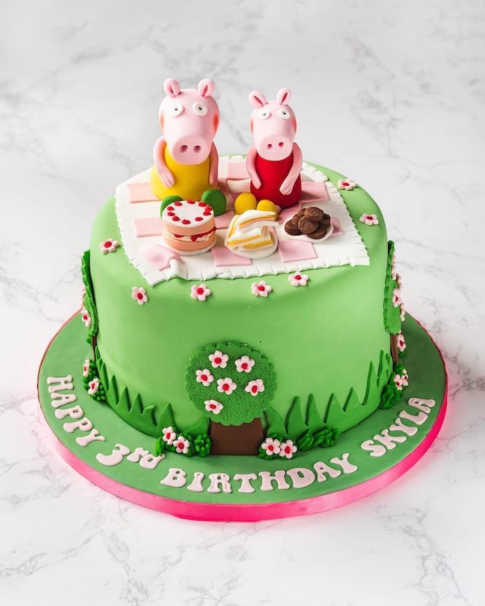 Les cochons en pique nique gateau anniversaire 3 ans en couches chocolat gâteau peppa pig