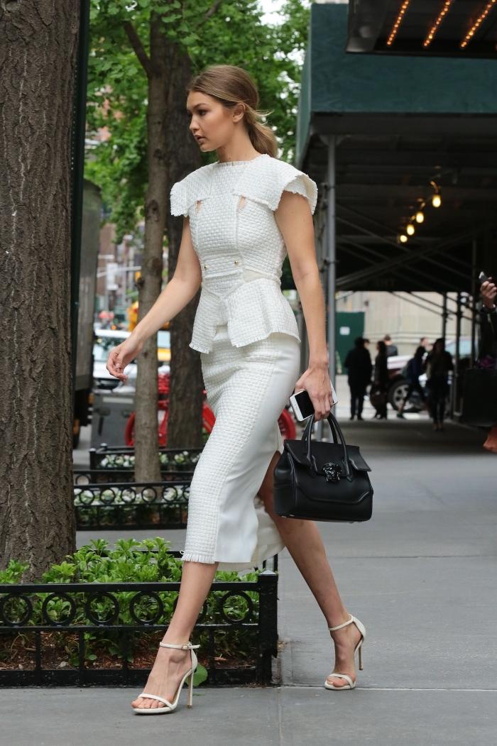 robe habillée blanche à jupe mi longue, style vestimentaire femme d'affaire en robe deux pièces et chaussures hautes