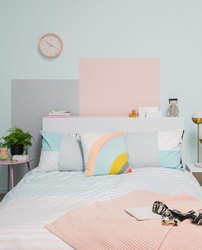 faire une tete de lit facile pour la chambre d'enfant avec peinture de couleurs pastel, décor pièce d'enfant en rose et bleu