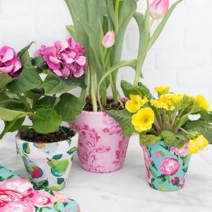 Déco de pot de fleur DIY - une activité manuelle de printemps pour inviter la fraîcheur chez soi