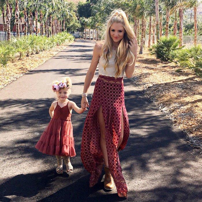 Robe deux pièces bohème pour femme et robe rouge pour fille, tenue complete fille maman bohème chic, les plus belles tenues mère fille