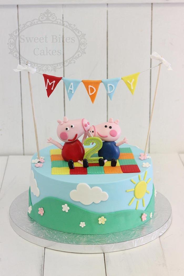 Peppa et son frère figurines en pate a sucre, image gateau anniversaire, peppa pig décoration gateau anniversaire