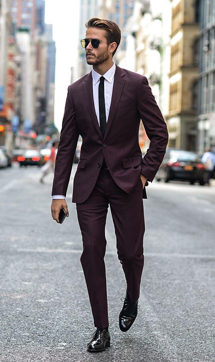 Belle couleur bordeaux costume stylé homme, lunettes de soleil tendance, casual chic homme, comment avoir de la classe homme