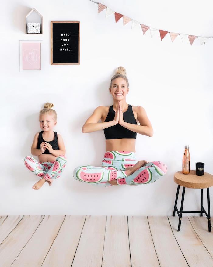 Yoga mère et fille tenues top court et legging à motif pasteques, adorable tenue mere fille, cool idée de cadeau d'anniversaire