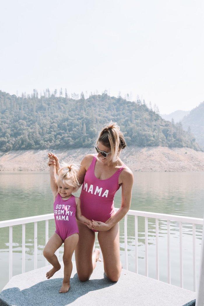 Rose maman maillot de bain et fille je ressemble à ma maman, idée ensemble mere fille, tenue pour maman de fille