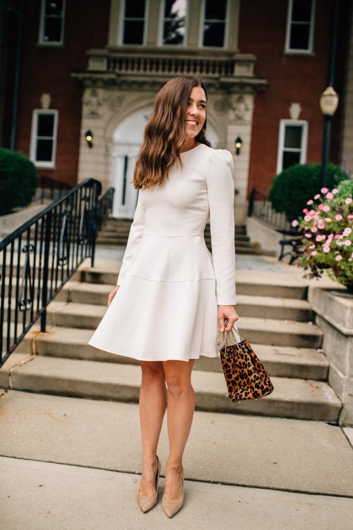 modèles de robes de soirée chic et classe de couleur blanche, avec quelle couleur de chaussures porter une robe blanche