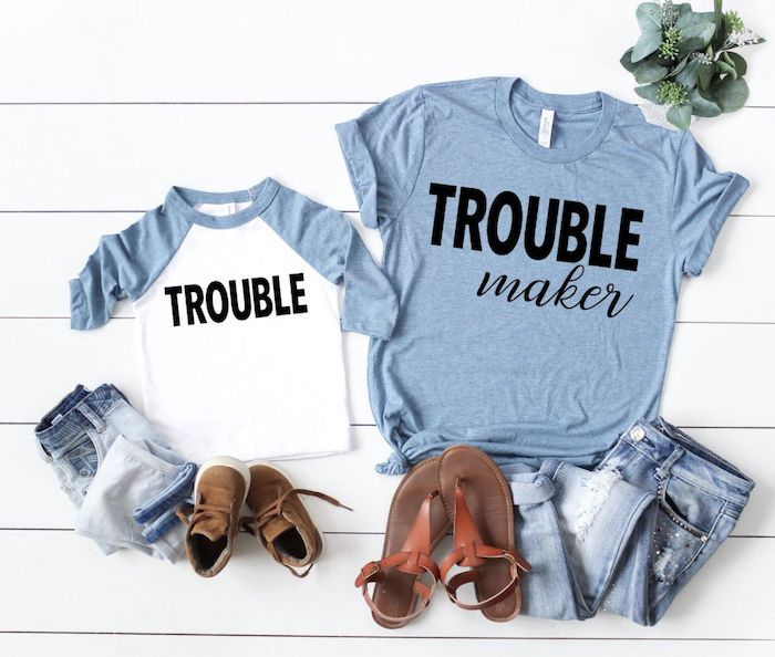 Mère et bébé amusante tenue coordonnée, tenue blanc et bleu pour femme, tshirt mere fille à la mode mini moi