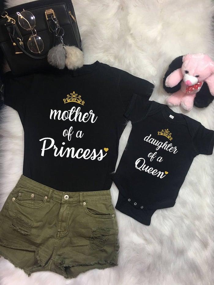 Short et t-shirt mère de princesse et fille de reine, tenue mère-fille, vetement mere fille qui se ressemblent