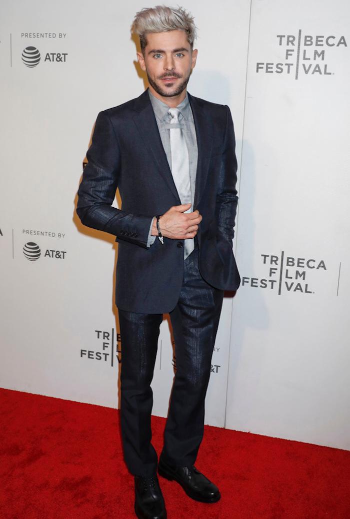 Zayn tenue classe pour homme, style vestimentaire homme costume gris foncé cravate gris claire et chemise