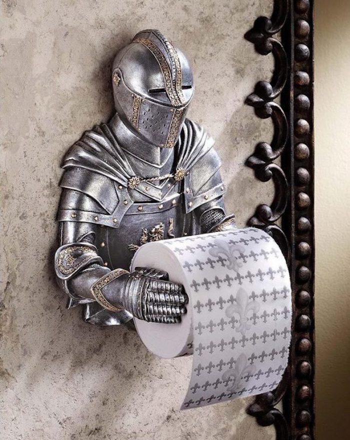 Chevalier metal pour tenir le papier toilette modele de salle de bain, la plus belle décoration murale