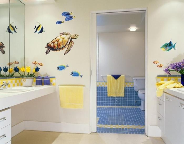 salle de bain deco aquatique, comment décorer une salle d'eau pour enfant, décoration murale avec stickers