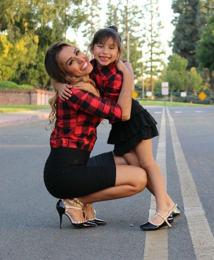 Simple idée comment s'habiller robe mere fille deux pièces, bien habiller sa petite fille comme soi