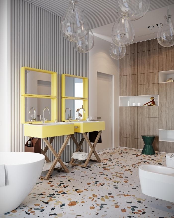 modele de salle de bain contemporaine avec murs aspect bois et meuble lavabo en bois et couleur jaune pastel