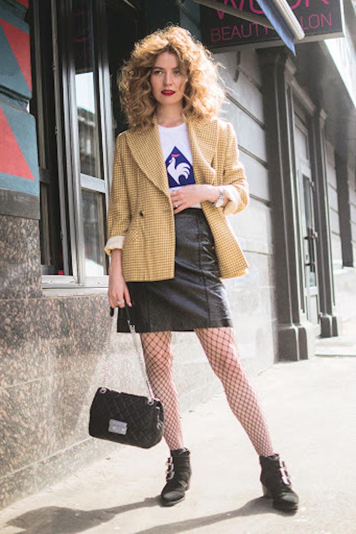 Veste longue et jupe cuir, idée look année 90, vetement vintage femme que prendre de la decade