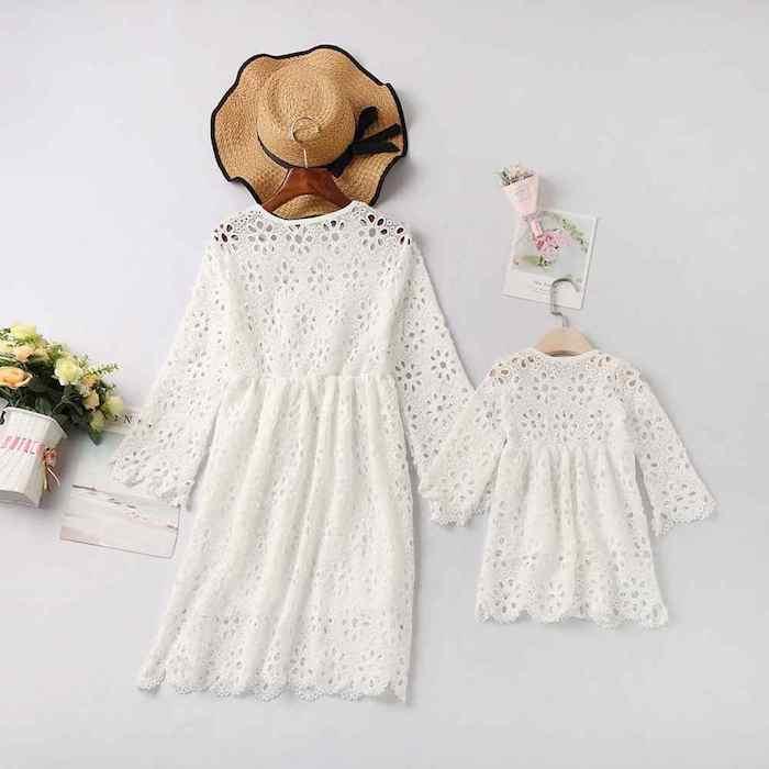 Tenue bohème chic pour mère et bébé robes blanches en dentelle, idée vetement maman fille, comment bien habiller les enfants