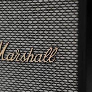 L'enceinte Marshall Uxbridge Voice embarque Alexa et Airplay 2